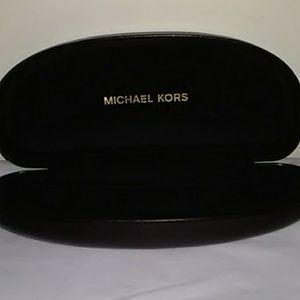 Beautiful Black Leather Ladies Michael Kors Case